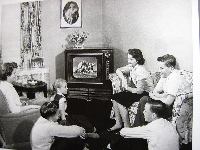 american television in the 1950s and 1960s 1950s family life - learn what it was really like what we did with the folks and without them trust me it was nothing like the movie grease read on.